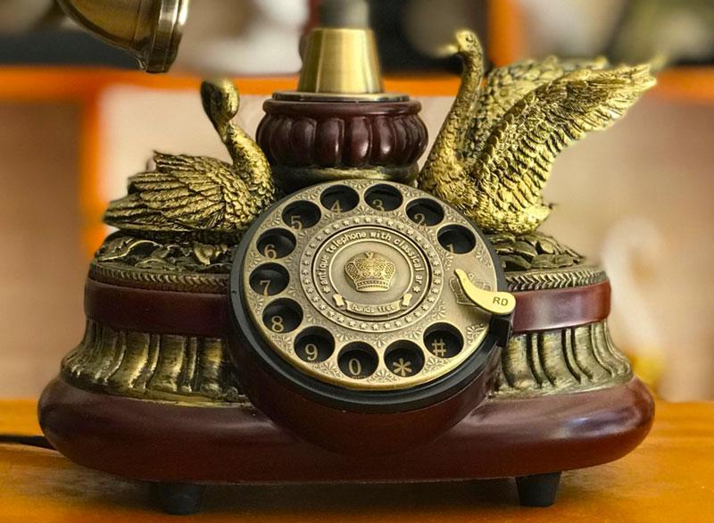Điện thoại giả cổ độc đáo