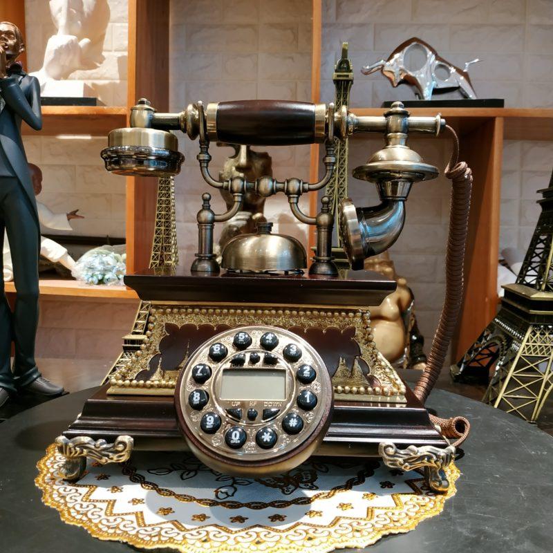 Điện thoại giả cổ hoàng gia